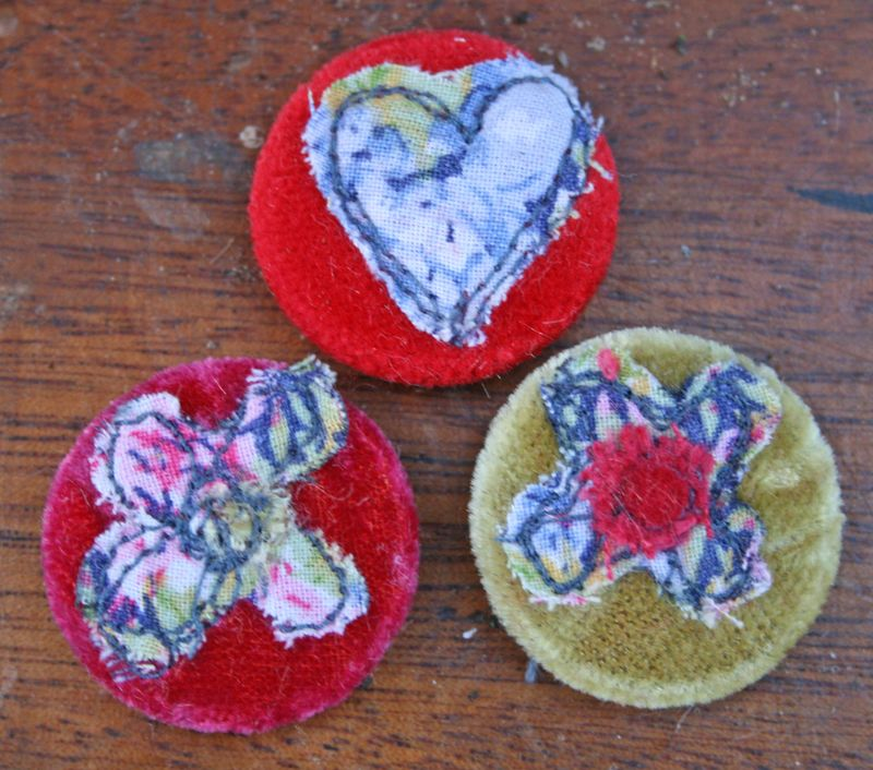 Hearts and flowers badges