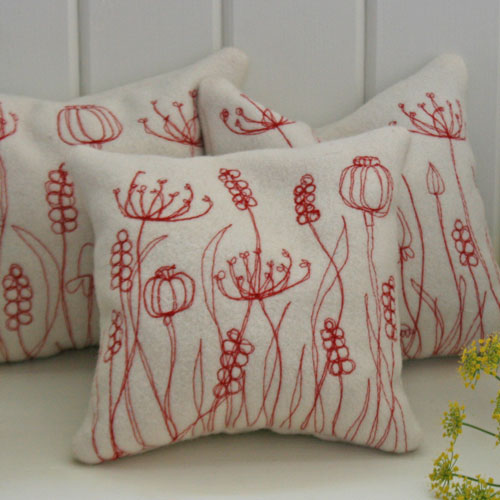 Lavender-cushion-red-meadow