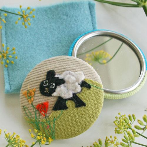 Mirror-sheep-square