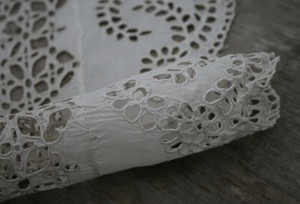 Old_lace_1_2